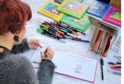 Sophie Turrel en dédicaces des livres les petits chats